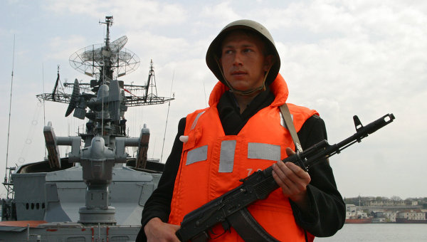 Russian Navy Boosting Security in Crimea – Defense Minister